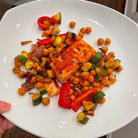 @amysmealdeal Roasted Salmon w/chickpeas, zucchini, & red pepper - @ww Link Thumbnail | Linktree