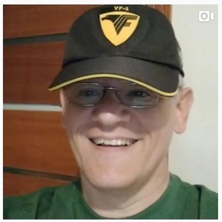 @robinsonf Profile Image | Linktree