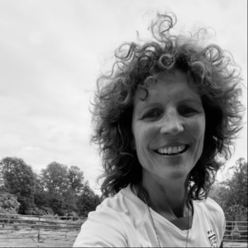 MA Horse Rescue & Outreach Michelle Akers IG Link Thumbnail | Linktree