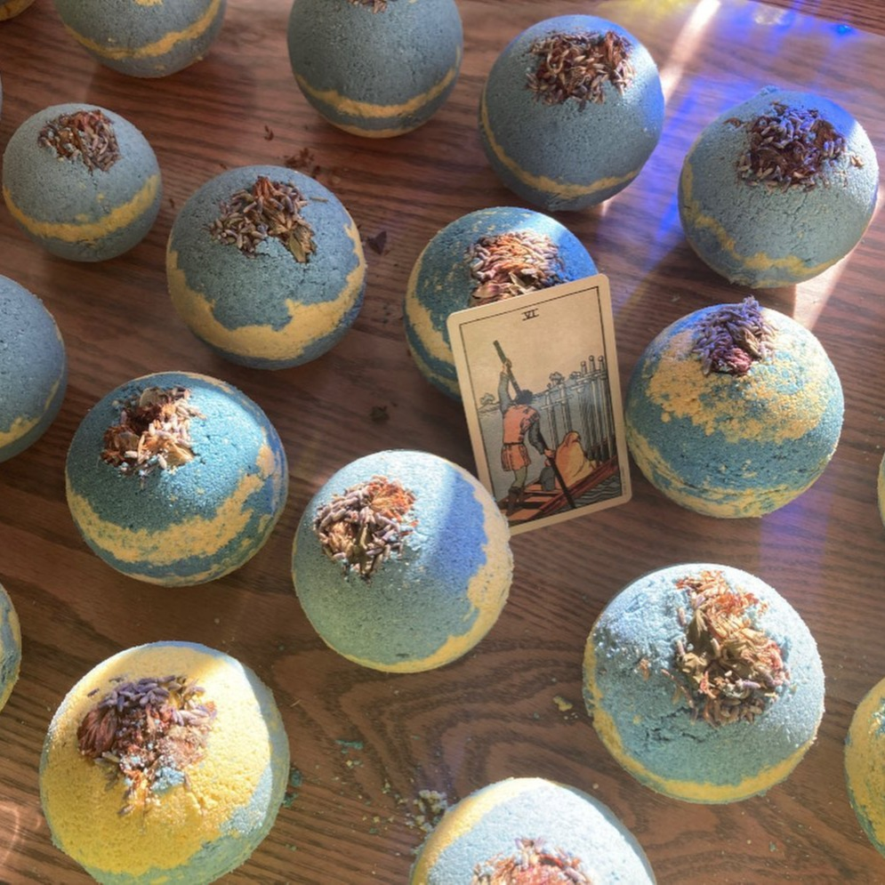 The 6 of Swords Bath Bomb (Rosemary Lavender)