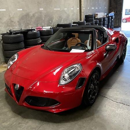 @Curvesurfer 2020 Alfa Romeo 4C Spider Link Thumbnail | Linktree