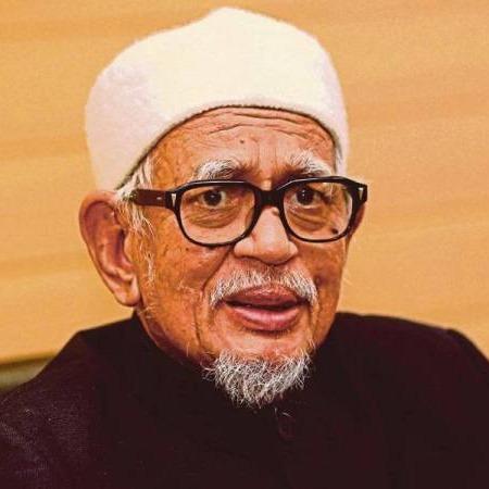 @sinar.harian Abdul Hadi harap pihak mahu 'tebuk kapal' dihalang  Link Thumbnail | Linktree
