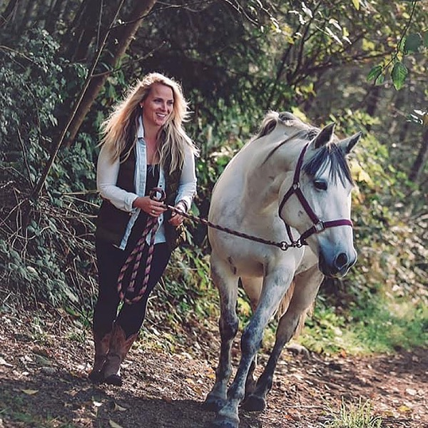 Coach/Author @Graystar Farms Private IN PERSON Attunement Session  (90 minuet) Transformational Coaching Session with Horses Link Thumbnail | Linktree