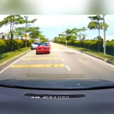 @sinar.harian Gara-gara mengantuk, lelaki langgar motosikal di JB Link Thumbnail | Linktree