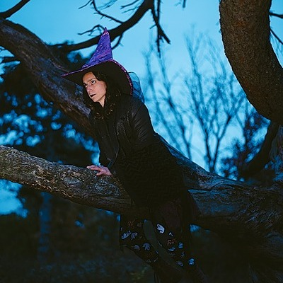 @juliaalederer The Hidden Station Podcast: Cool Ghost   (Please Haunt Me) Link Thumbnail   Linktree