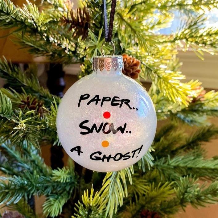 @fashionhr Božićne kuglice s najpoznatijim citatima iz Prijatelja su sve što ovih blagdana želimo Link Thumbnail | Linktree