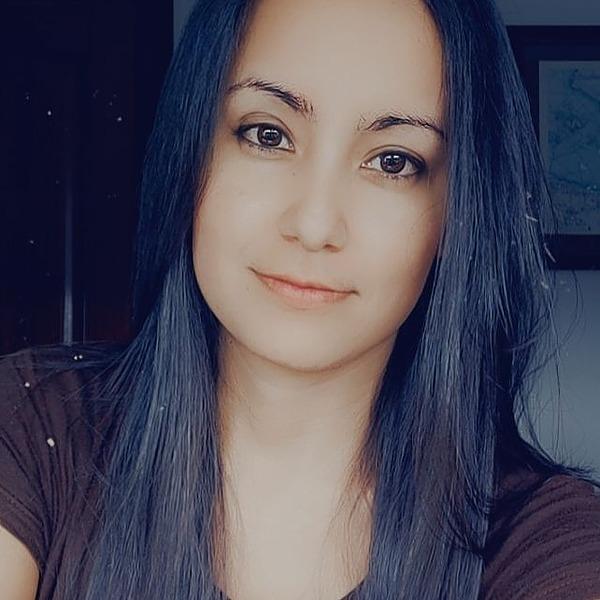 @Flormpecasique Profile Image | Linktree
