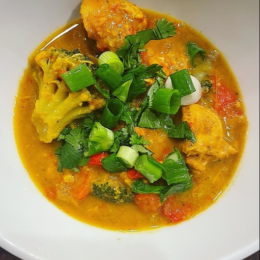 @amysmealdeal Chicken Sweet Potato Curry - @therealfoodrds Link Thumbnail | Linktree