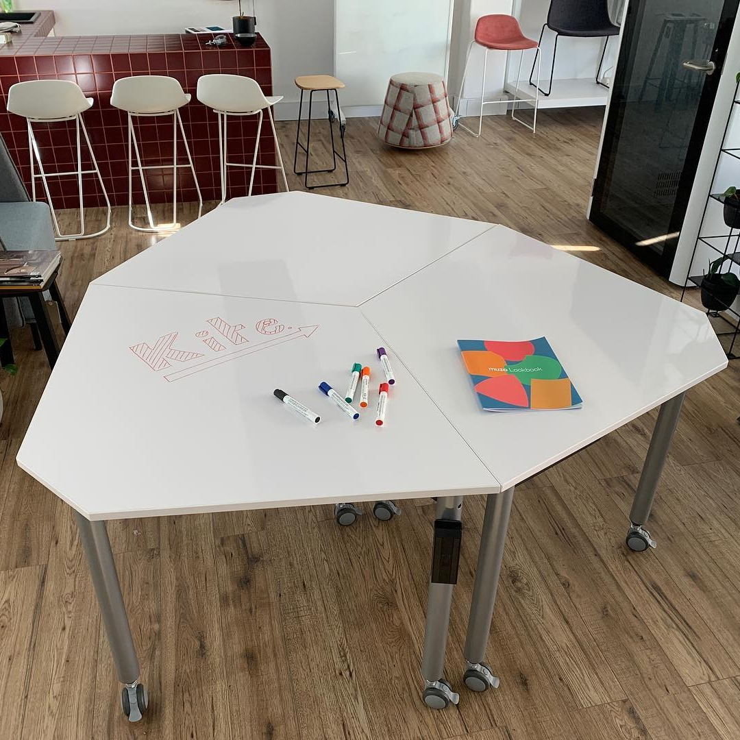Muzo Kite Table