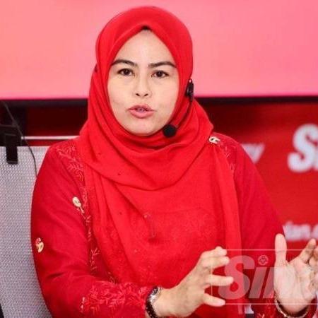 @sinar.harian Wanita UMNO nafi bertemu Ahmad Zahid, sokong Anwar Link Thumbnail | Linktree