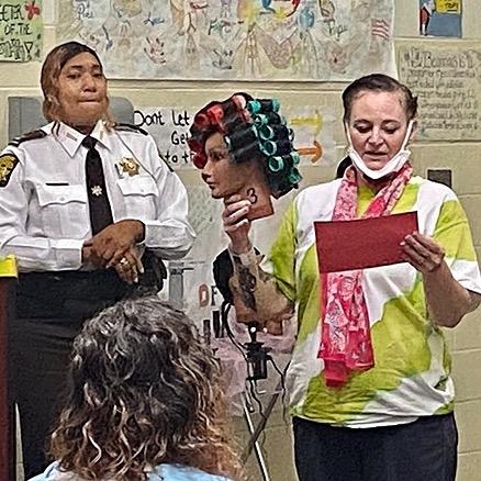 Fulton County Sheriff Happening in Fulton- Fulton Jail Inmates Receive Cosmetology Certificates Link Thumbnail   Linktree