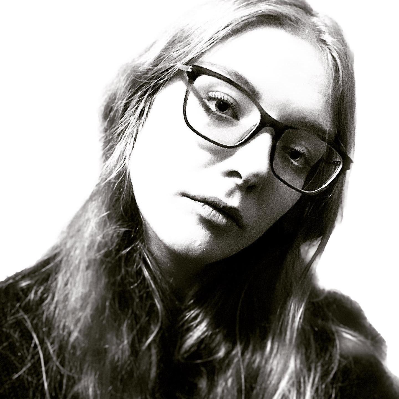 @elliepage Profile Image   Linktree