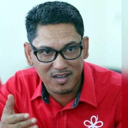 @sinar.harian Ahmad Faizal mempengerusi mesyuarat parti di kediaman Muhyiddin Link Thumbnail | Linktree