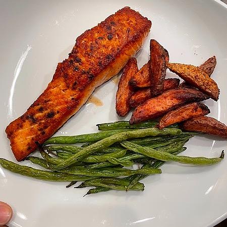 @amysmealdeal Maple Soy Salmon - @skinnytaste Link Thumbnail | Linktree