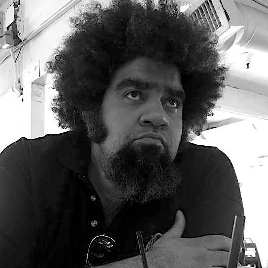 Big & Tall Tales Justin Peniston - Freelance Writer and Editor Link Thumbnail | Linktree