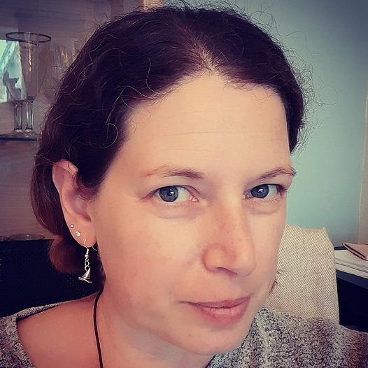 @fionabeth Profile Image | Linktree
