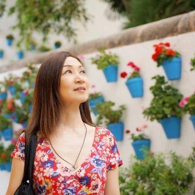 Emiko Nakamura Official website 【Andalucía✿街歩き from Spain】 Link Thumbnail   Linktree