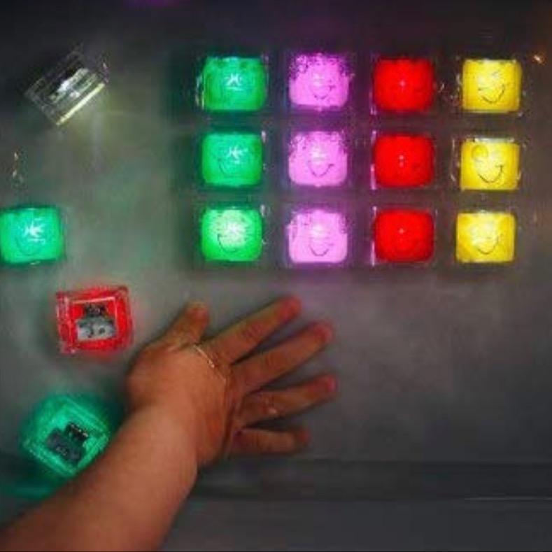 @buildingthepuzzle GloPals Light Up Cubes Link Thumbnail | Linktree