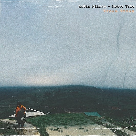 Robin Nitram - Motto Trio Strange Bill (SINGLE) Link Thumbnail | Linktree