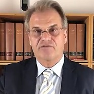 """@accesholistic Dr. Reiner Fuellmich, an experienced trial lawyer licensed in Germany and California (USA) and co-founder of the ➥ Corona Investigative Committee, summarizes the Committee's findings to date and reviews the current status.  """"If I had been told this a year Link Thumbnail   Linktree"""