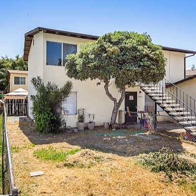 @theaongroup IN ESCROW: 12849-51 Beechtree St Link Thumbnail   Linktree