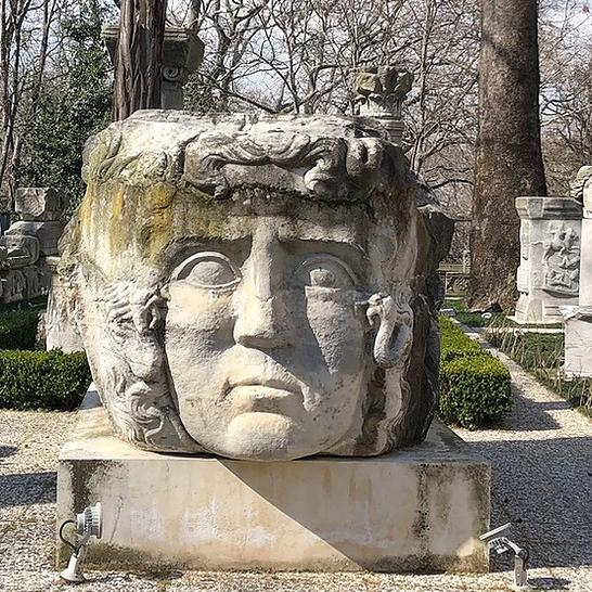 @bihtersabanoglu Likenden deri: Şaşmazer'in eserleri ve Arkeoloji Müzesi'ndeki Medusa üzerine Link Thumbnail | Linktree