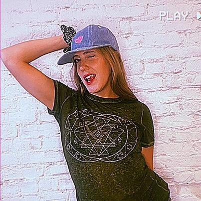 Ellajay @ellajaymusic (ellajaymusic) Profile Image | Linktree