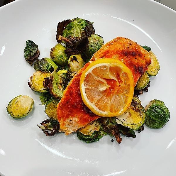 @amysmealdeal Easy Lemon Thyme Roasted Salmon - @thedefineddish Link Thumbnail | Linktree