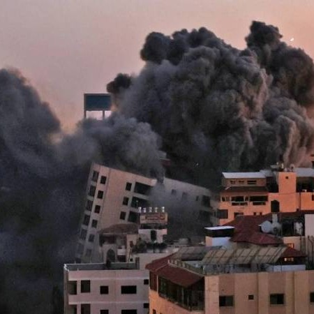 @sinar.harian Tiga penduduk mati di Israel akibat serangan roket Palestin Link Thumbnail | Linktree