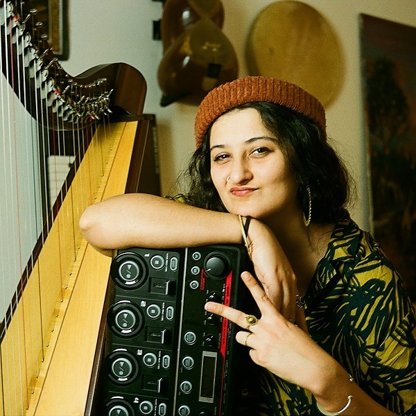 Zainab Lax (Zainablax) Profile Image | Linktree
