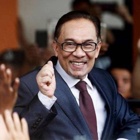 @sinar.harian Anwar pilihan utama netizen jadi Perdana Menteri ke-9 Link Thumbnail | Linktree