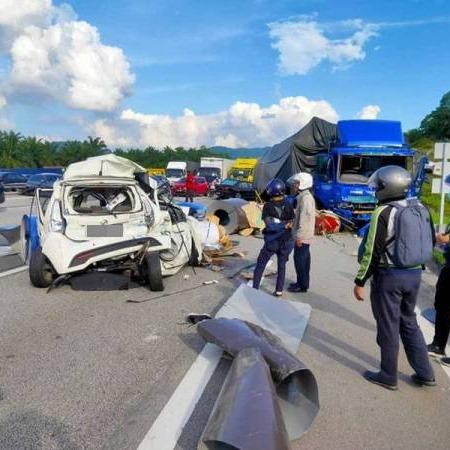 @sinar.harian Treler terbabas akibatkan kemalangan tujuh kenderaan Link Thumbnail | Linktree
