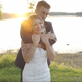 @MartinMediaProduction Wedding Wire Link Thumbnail | Linktree