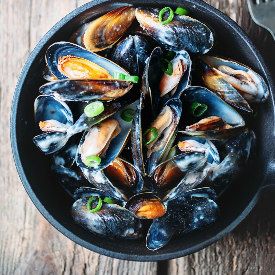 Easy Steamed Mussels