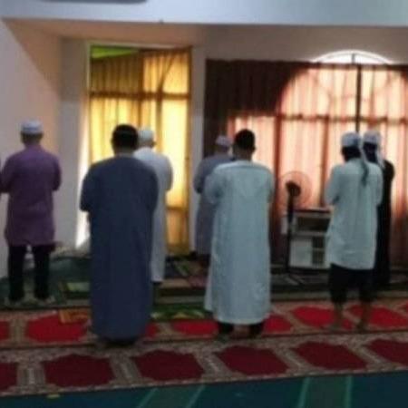 @sinar.harian 12 lelaki dikompaun solat jemaah tanpa kebenaran Link Thumbnail | Linktree