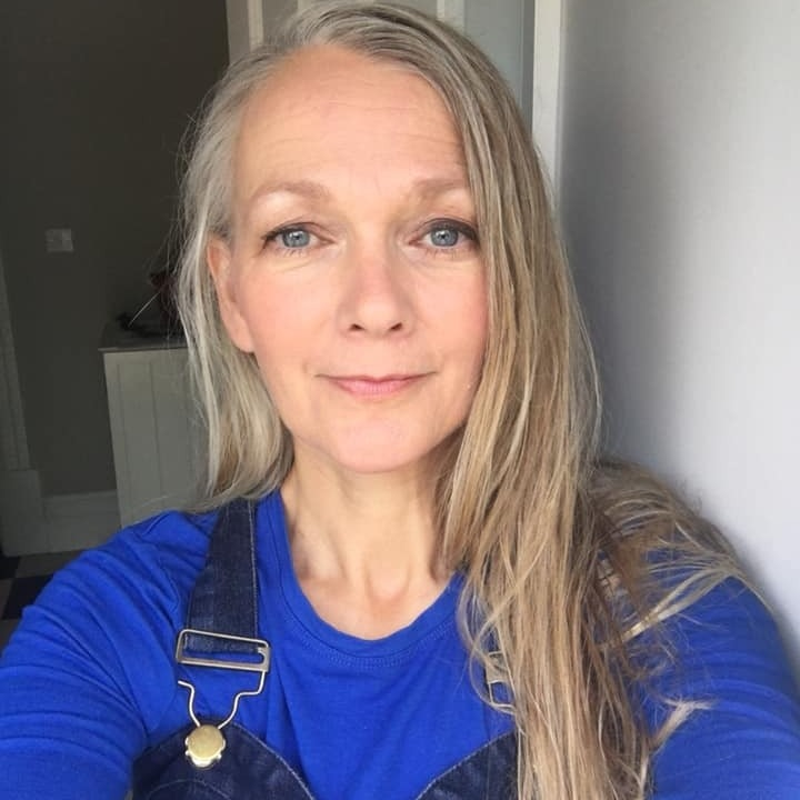 Nicola Russell Quantum Healer YouTube Channel Light Language, Activations, Guidance Link Thumbnail | Linktree