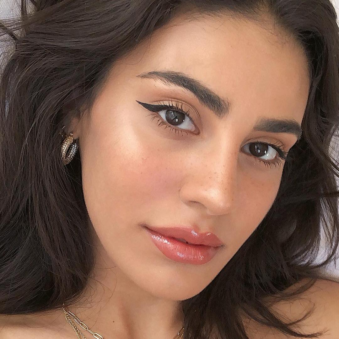 @fashionhr Sjajni stikovi za prirodno konturiranje lica Link Thumbnail | Linktree