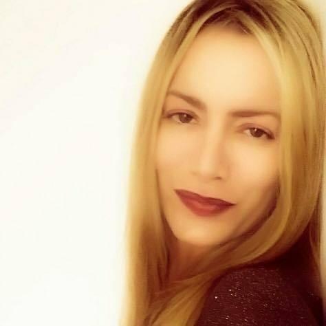 @melaniebelmonte Profile Image   Linktree