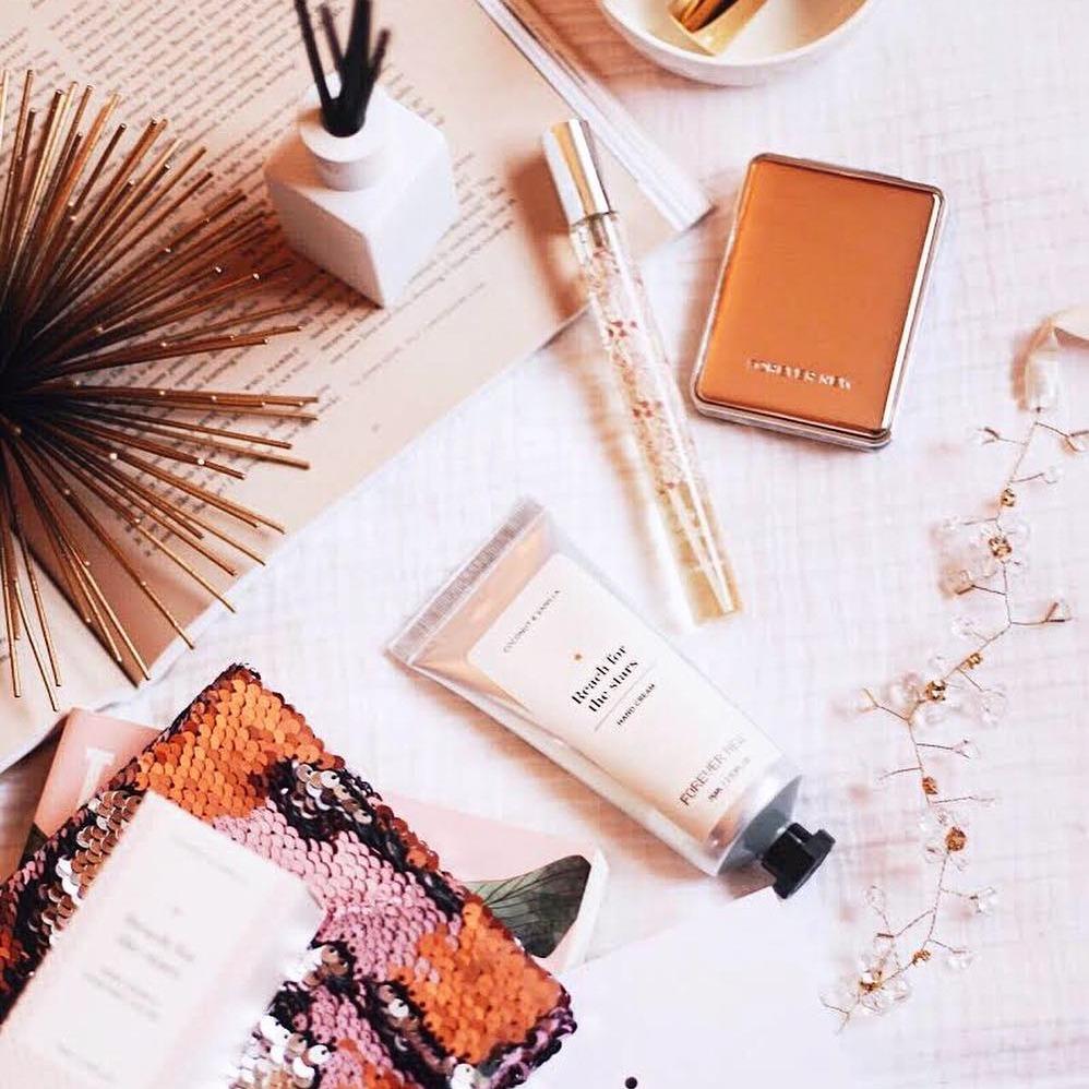 @fashionhr Mini verzije omiljenih parfema koje uvijek nosimo u svojoj torbici Link Thumbnail | Linktree