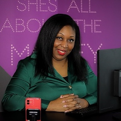 @shesallaboutthemoney Profile Image   Linktree