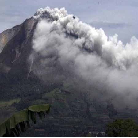 @sinar.harian Gunung Sinabung Indonesia meletus Link Thumbnail | Linktree