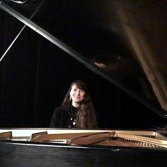 @JulieHanneyPiano Julie Hanney on Soundcloud  Link Thumbnail | Linktree