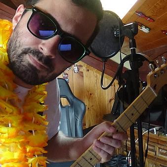 @allauren Profile Image   Linktree