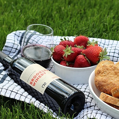 @brooklynwinery Read Our Summer Wine Guide! Link Thumbnail   Linktree