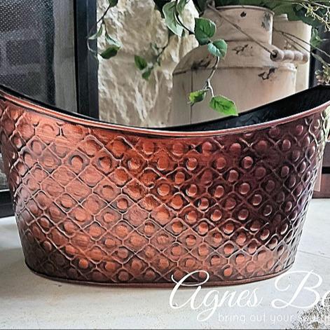 Oval copper tub