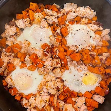 @amysmealdeal Skillet Sweet Potato Chicken Hash - @skinnytaste Link Thumbnail | Linktree