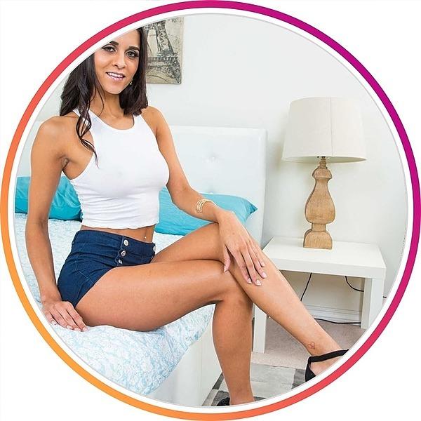 @abby_lee_brazil_hot Profile Image   Linktree