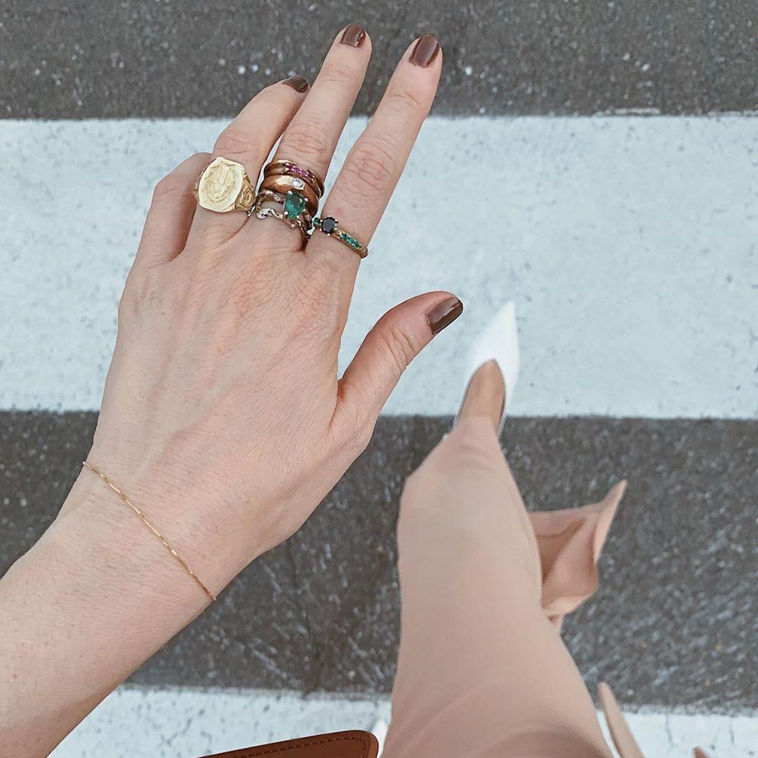 @fashionhr Nijansa koju ćemo ove godine obožavati vidjeti na svojim noktima! Link Thumbnail | Linktree