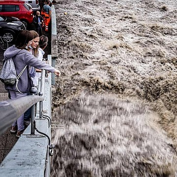 @guardian Climate scientists shocked by scale of floods in Germany Link Thumbnail   Linktree