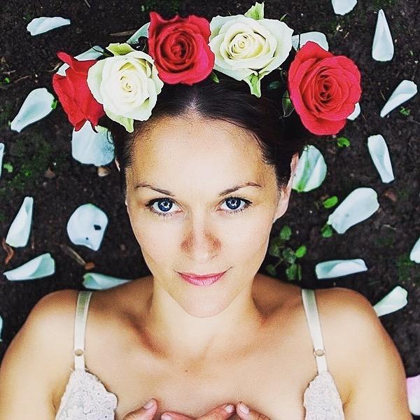 @LydiaSacredSong Profile Image | Linktree